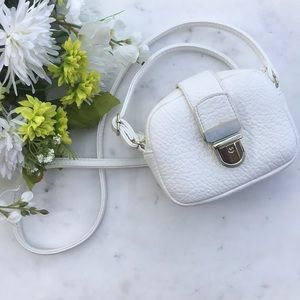 Handbags - White Faux Leather Crossbody Purse